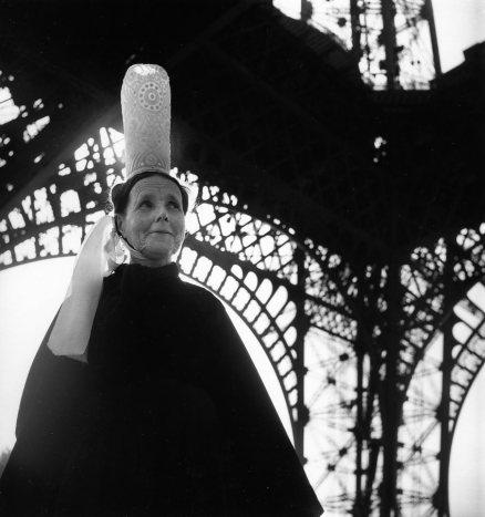 Bigoudene-et-Tour-Eiffel,1950