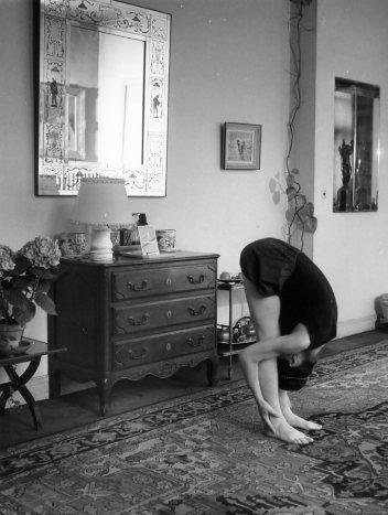 Exercice-de-yoga-mai-1960