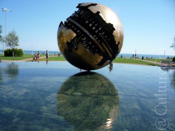 Palla di Arnaldo Pomodoro @Pesaro_www.culturefor.com