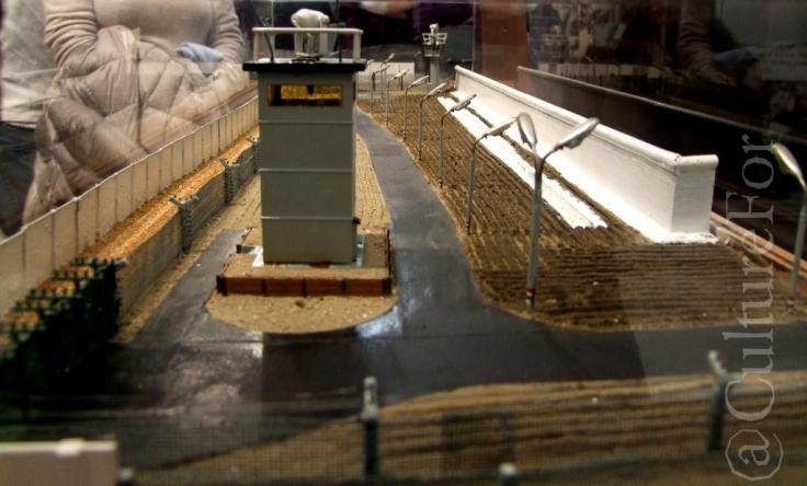 CheckPoint Charlie Museum @Berlino _ www.culturefor.com