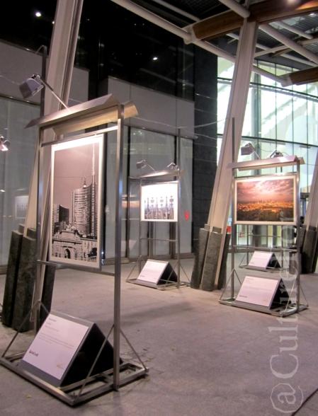 Mostra in piazza Gae Aulenti @Milano _ www.culturefor.com