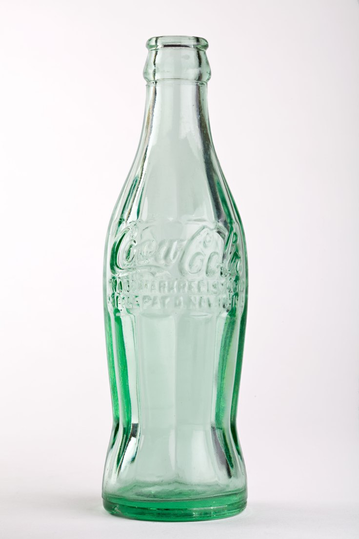 1915 Patent Coca-Cola Contour Bottle. Collection of and © The Coca-Cola Company