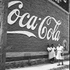 Esther Bubley (American, 1921–1998), Coca-Cola Wall, Texas, 1945. Collection of Joyce Linker. Digital image courtesy Archives and Special Collections, University of Louisville, Kentucky.