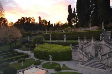 19_VillaSommiPicenardi_Giardino-Italiana_villatramonto